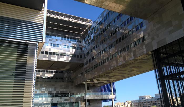 Ayuntamiento de Montpellier, obra de Jean Nouvel y François Fontès