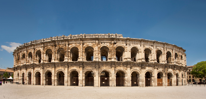 Anfiteatro de Nimes. Foto Oficina de Turismo. O Maynard