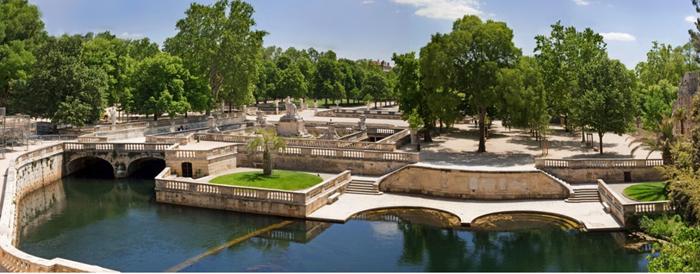 Jardines de la Fontaine. Oficina de turismo de Nimes. O Maynard