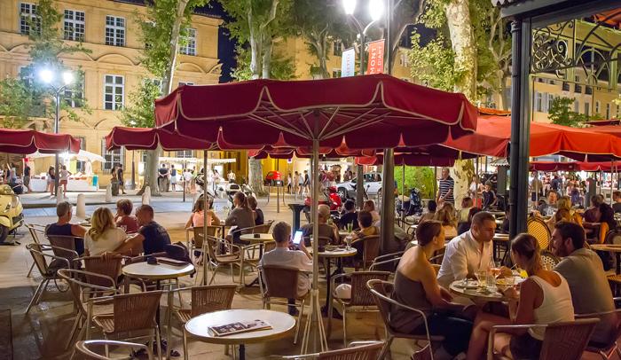 Aix en Provence cuenta con un gran ambiente nocturno. Autora Sophie Spiteri