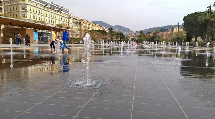 Espejo de agua de Niza