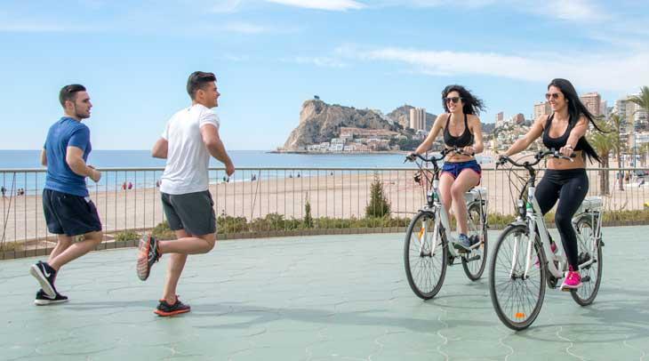 Benidorm es un lugar ideal para la práctica del ciclismo