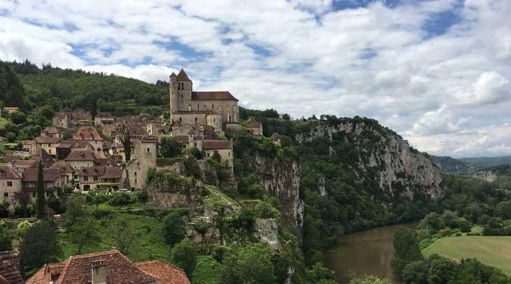 Saint Cirq Lapopie, considerado uno de los pueblos más bellos de Francia
