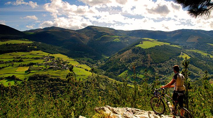 Ruta de las Minas. Foto Pablo López. Cedida por Turismo de Asturias.