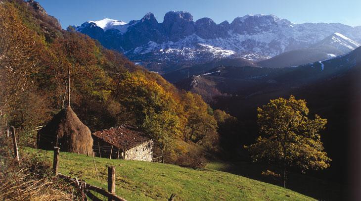 Parque natural de Las Ubiñas-La Mesa. Foto Juanjo Arrojo. Cedida por Turismo de Asturias.