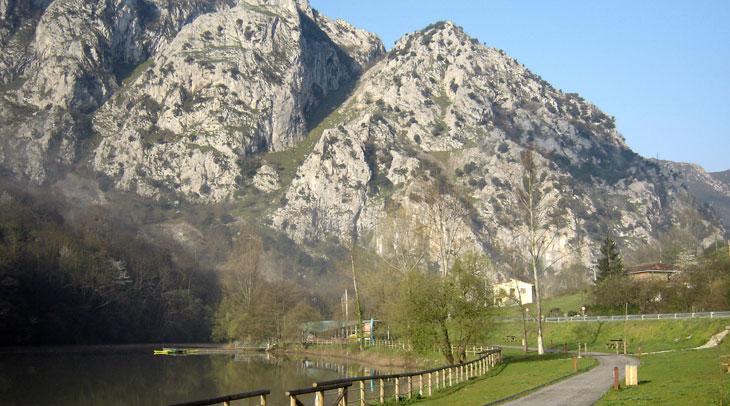 Senda del Oso en Valdemurio. Foto Jano Foggia. Cedida por Turismo de Asturias.
