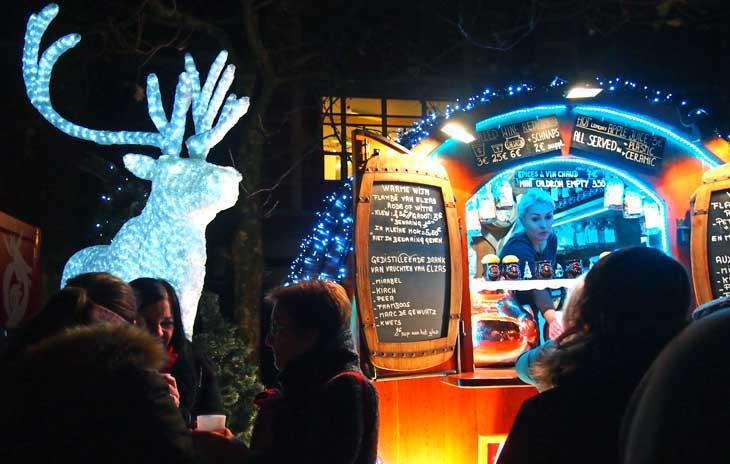 Puesto de Navidad del Mercado de Bruselas. Foto Marta Pintus.