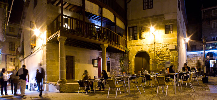 Casa María Andrea y Eironciño dos Cabaleiros. Foto Turismo de Ourense.