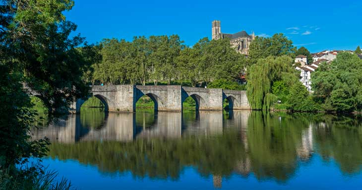 Panorámica de Limoges desde la orilla del río Vienne Vincent-Schrive © Ville de Limoges