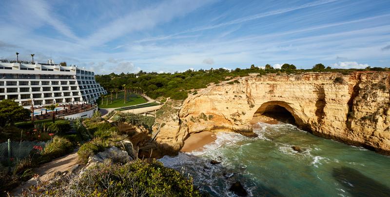 Acantilados del Tivoli Carvoeiro, en Algarve