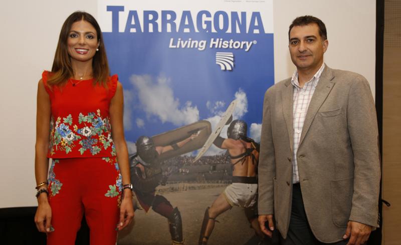 Izquierda, Presidenta del Patronato Municipal de Turismo de Tarragona, Inma Rodríguez. Derecha José Antonio Muñiz,empresa Imageen