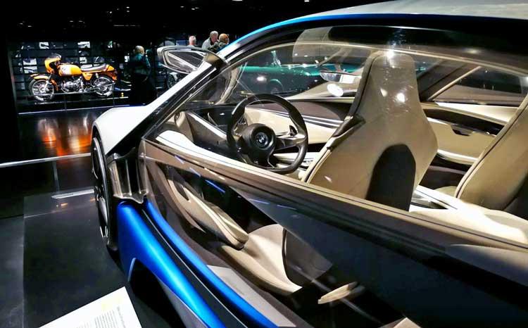BMW Welt es una de las visitas más recomendadas para aquellos que les gustan los coches de lujo