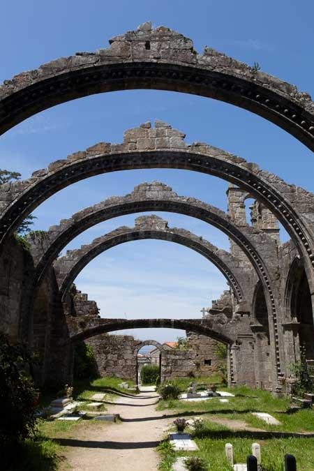Iglesia de Santa Mariña Dozo © Xurxo Lobato