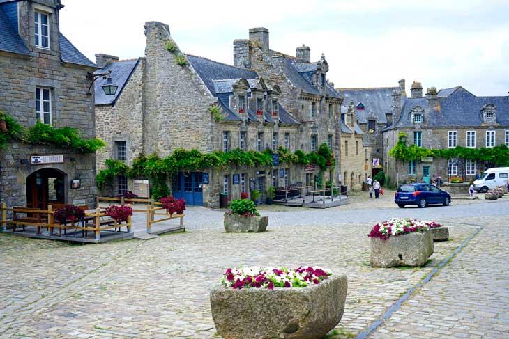 Locronan, una de las pequeñas ciudades con carácter y uno de los pueblos más bonitos de Francia