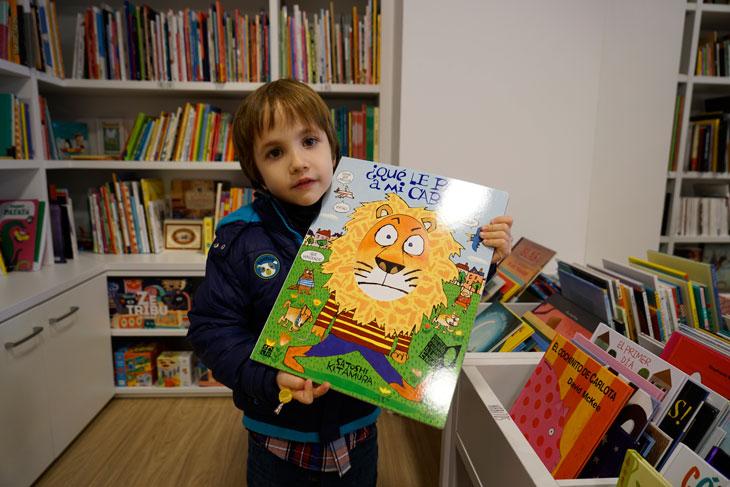 El Bosque de La Maga Colibrí es una librería especializada en literatura infantil y juvenil