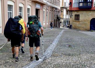 Peregrinos a su paso por la Villa de Portugalete
