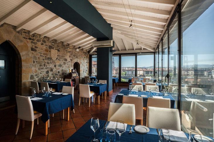 Interior del Restaurante Torre de Salazar