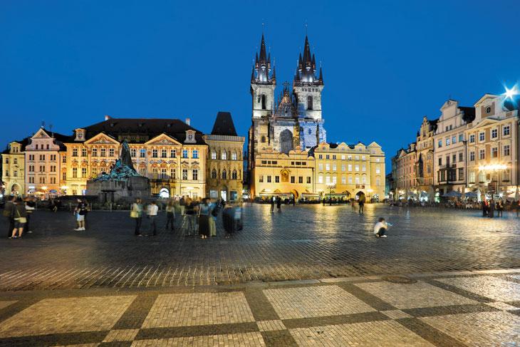 Plaza de la Ciudad Vieja @Libor Svacek