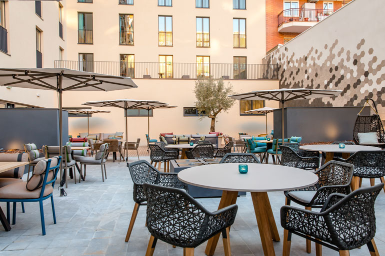 Outdoor Lounge con mobiliario Kettal