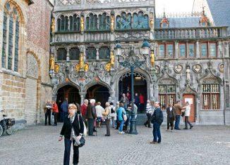 Plaza del Ayuntamiento de Brujas
