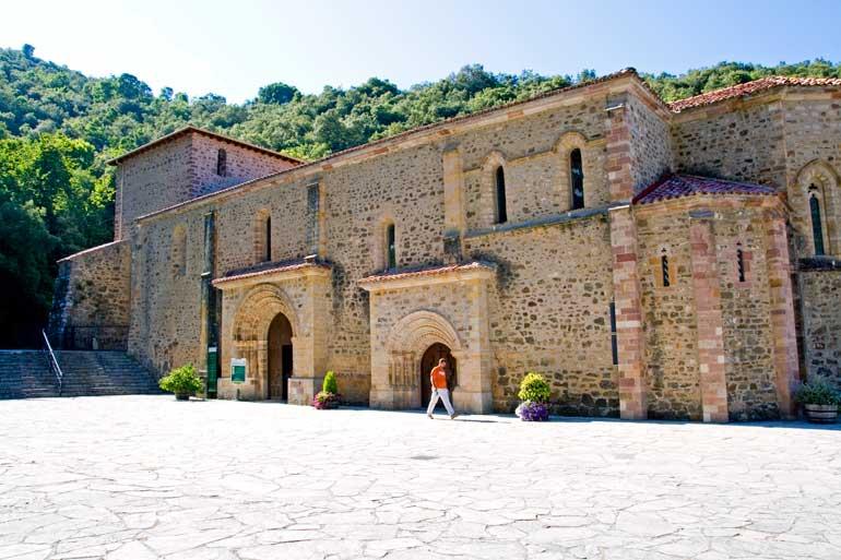 Monasterio de Santo Toribio de Liébana, en Camaleño