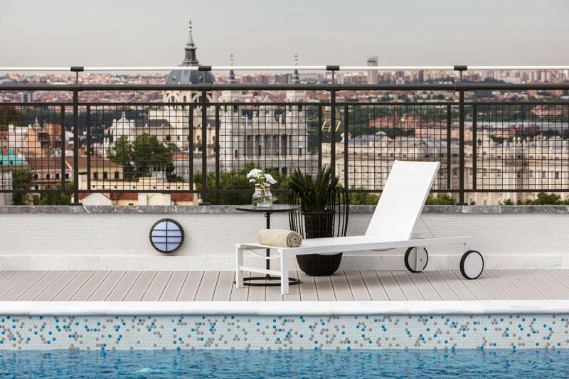 Terraza de verano del Hotel Emperador de Madrid