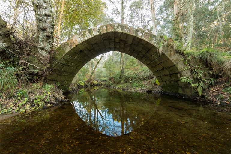 Ponte medieval de Xuño, en Caamaño