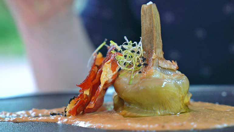 Alcachofas con foie y jamón