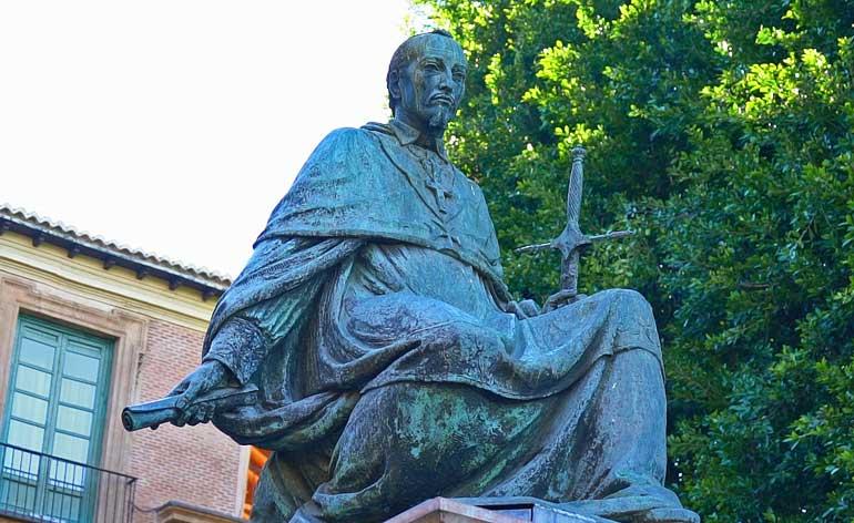 Estatua del Cardenal Belluga