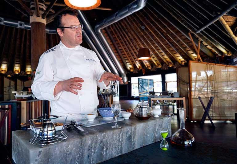 Pablo González Conejero es el chef de La Cabaña Buenavista. Una de sus especialidades son los salazones