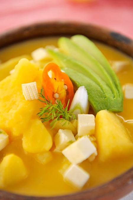 Locro de papas, uno de los platos más típicos de la gastronomía de Quito