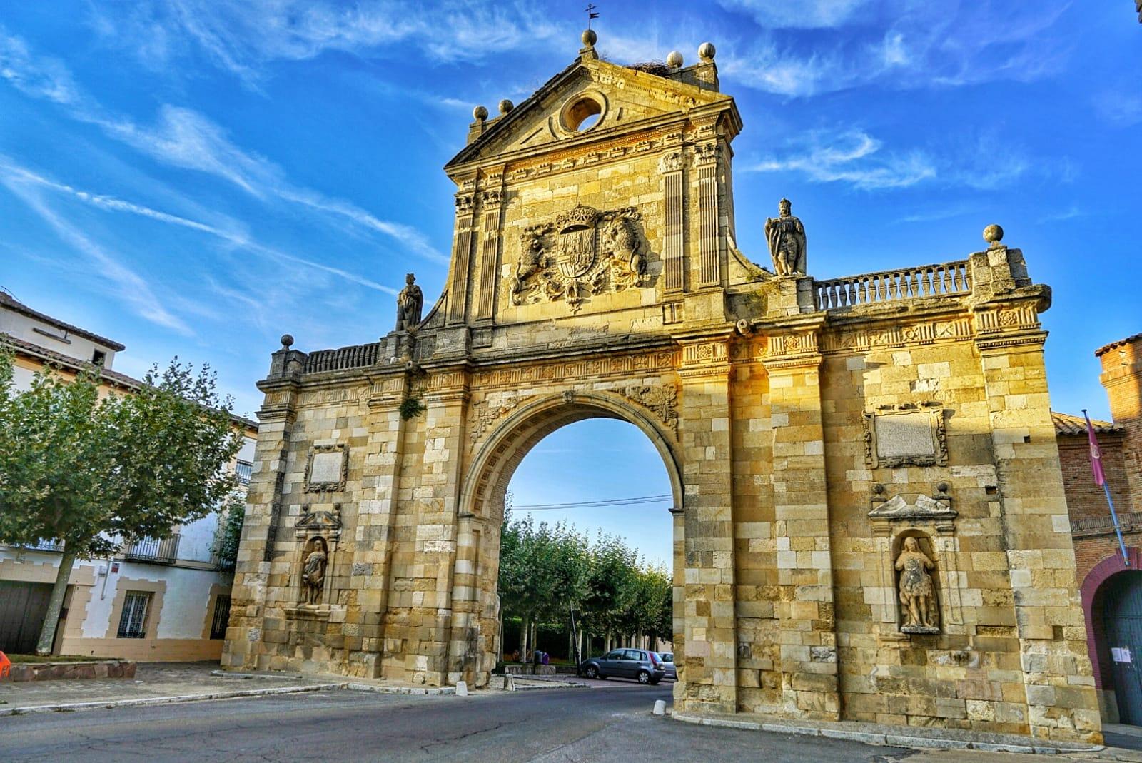 Arco de San Benito en Sahagún