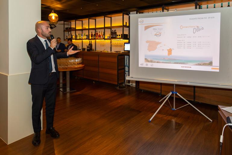 Un momento en la presentación de la oferta de vuelos entre España y Cerdeña