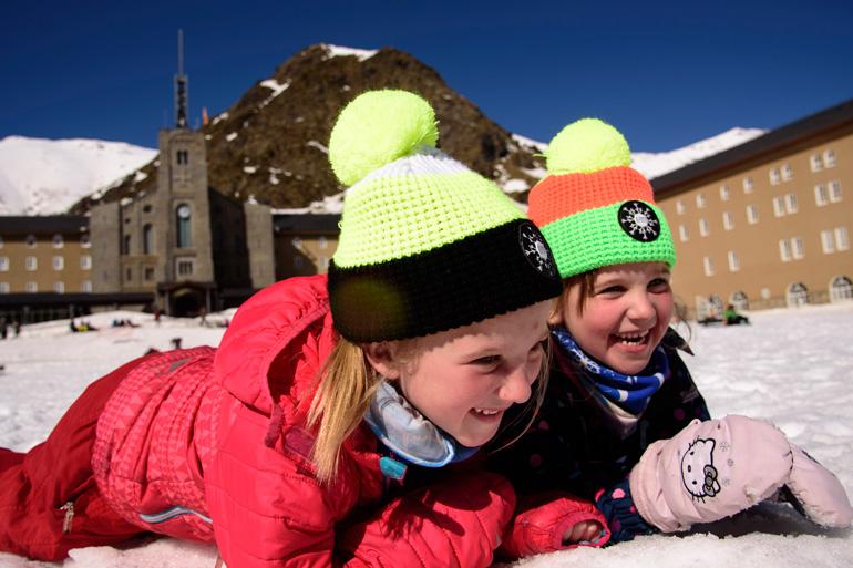 Niños en la estación de Vall de Núria