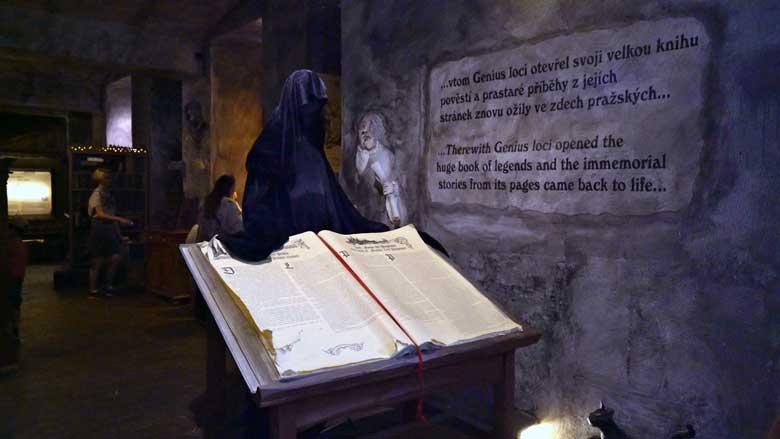 Gran Libro de Leyendas del Museo del Fantasma y Leyendas de Praga