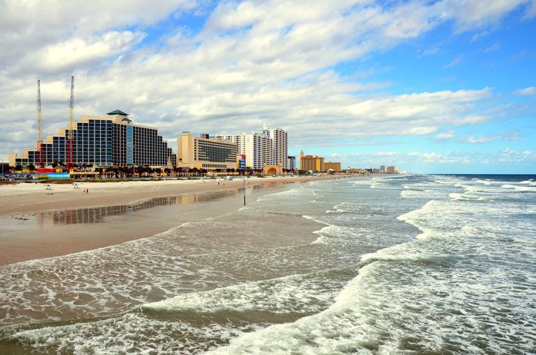 Daytona Beach es una de las playas más próximas a Orlando