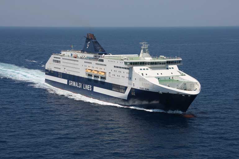 El barco Cruise Roma se renueva en 2019 para poder transportar más pasajeros y vehículos
