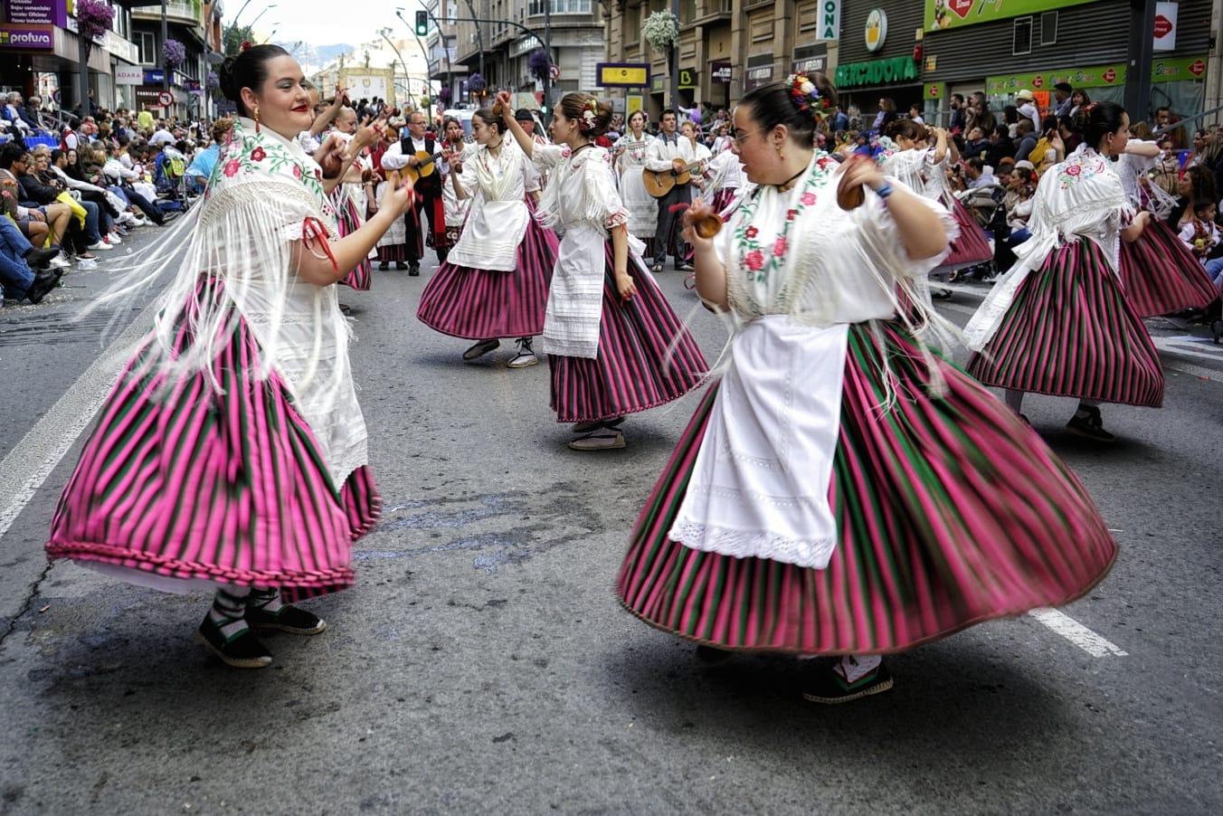 Bailes tradicionales murcianos en el desfile del Bando de la Huerta