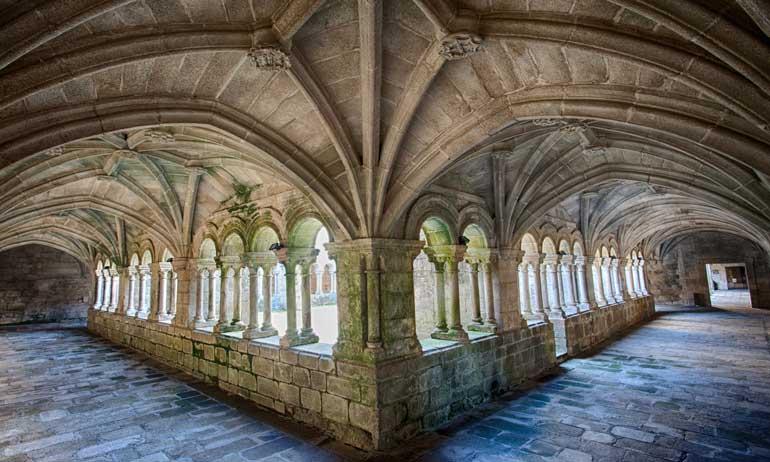 Monasterio de Santo Estevo de Ribas de Sil en Nogueira de Ramuín