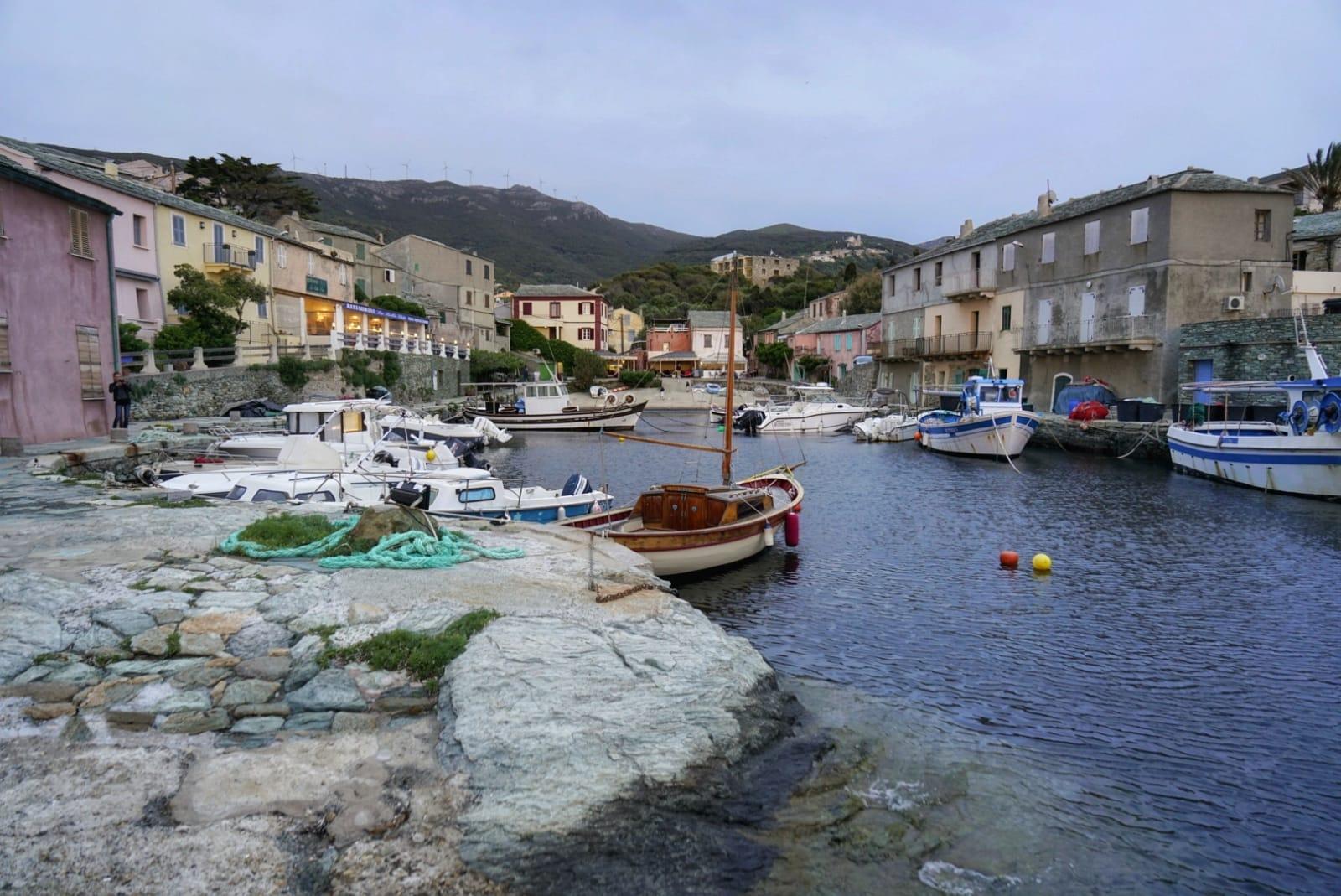 Centuri, en Cabo Corso, es un pueblo muy apreciado por las langostas.