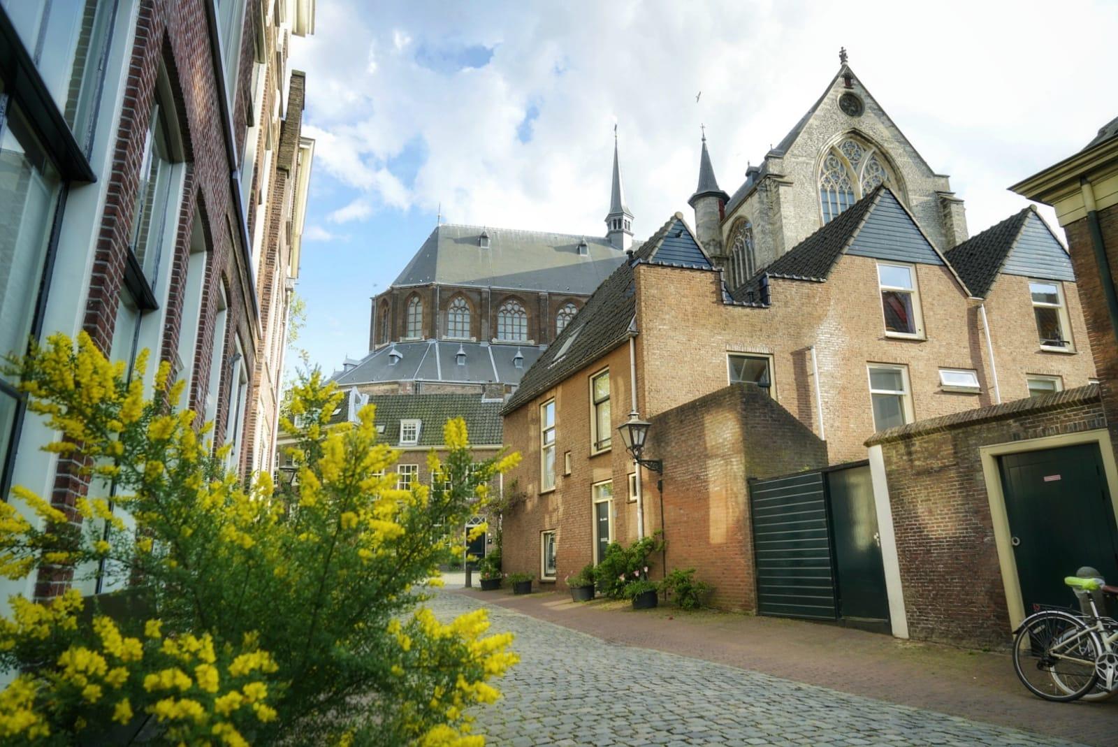 Calle del Pieterskwartier, el barrio de la iglesia de San Pedro