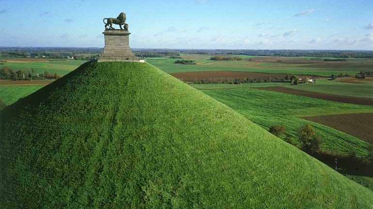 Colina del León, que simboliza la victoria del Duque de Wellington frente a Napoleón