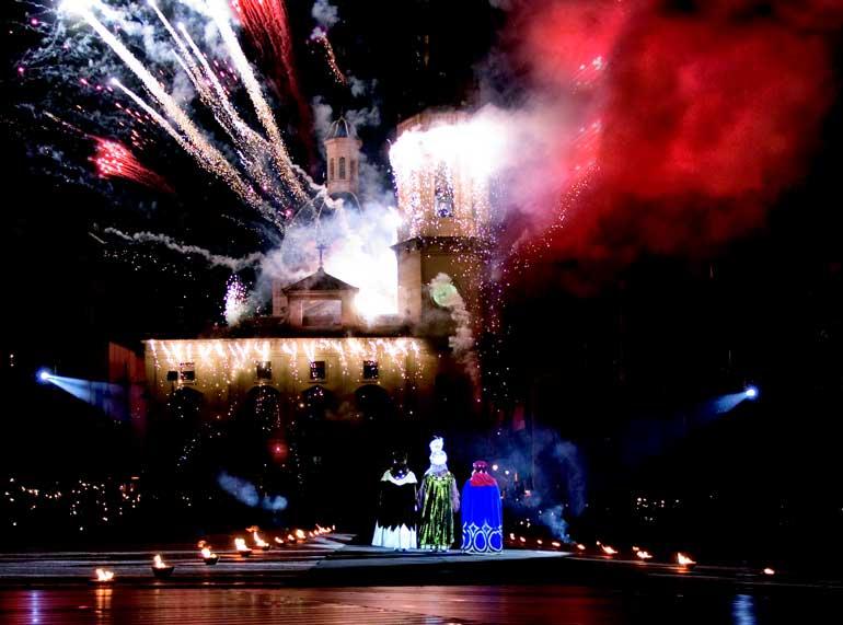 Fuegos artificiales de la Adoración de la Cabalgata de Reyes de Alcoi