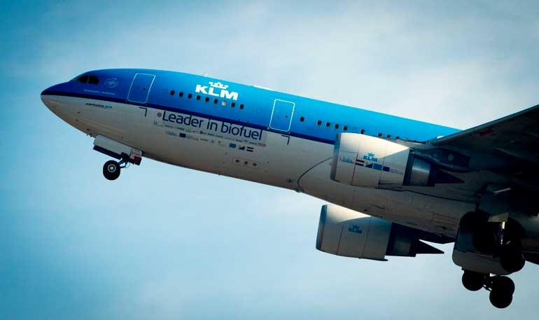 KLM realizó en 2011 el primer vuelo comercial con biocombustible