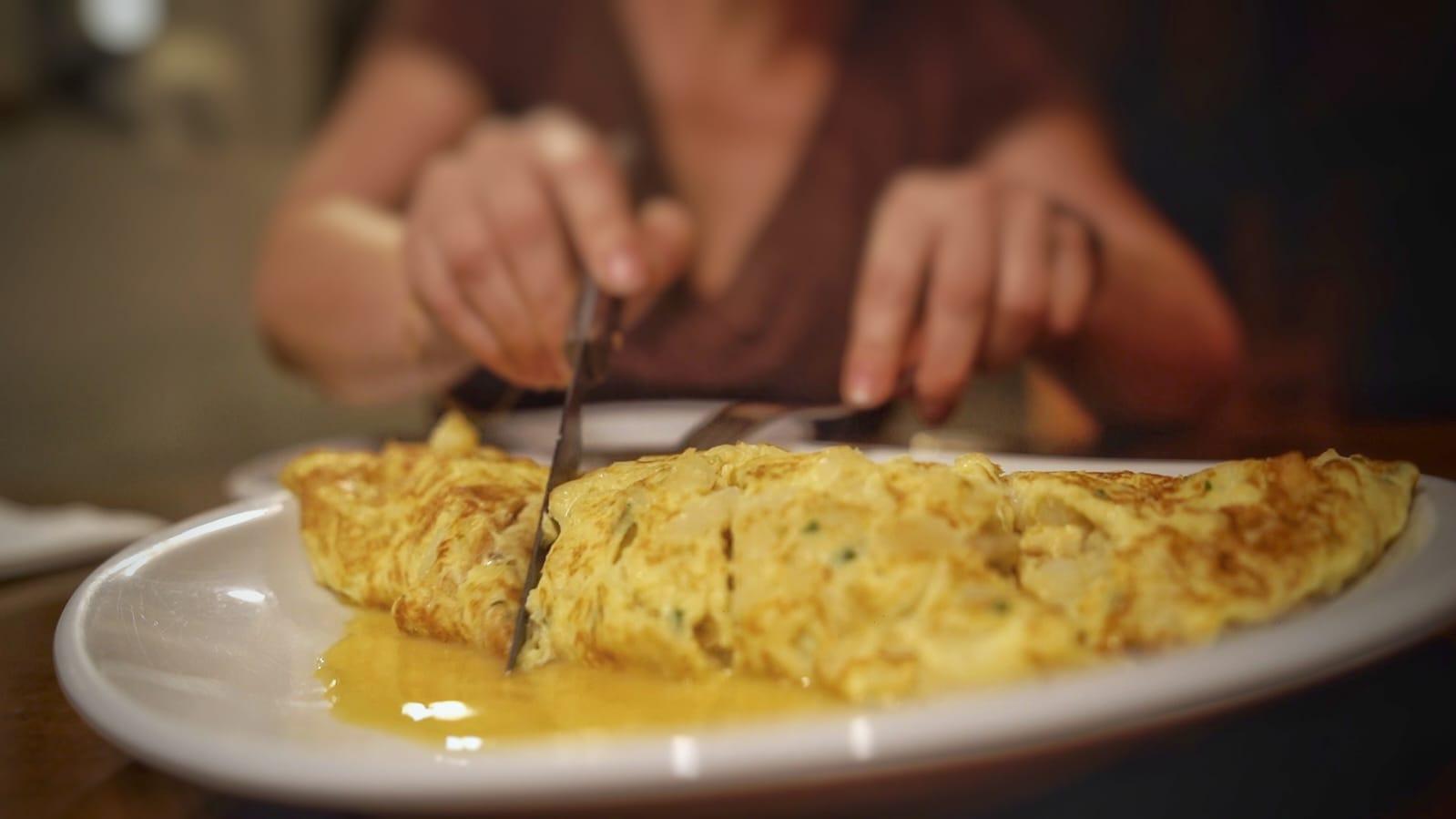 Tortilla de bacalao, muy típica del País Vasco