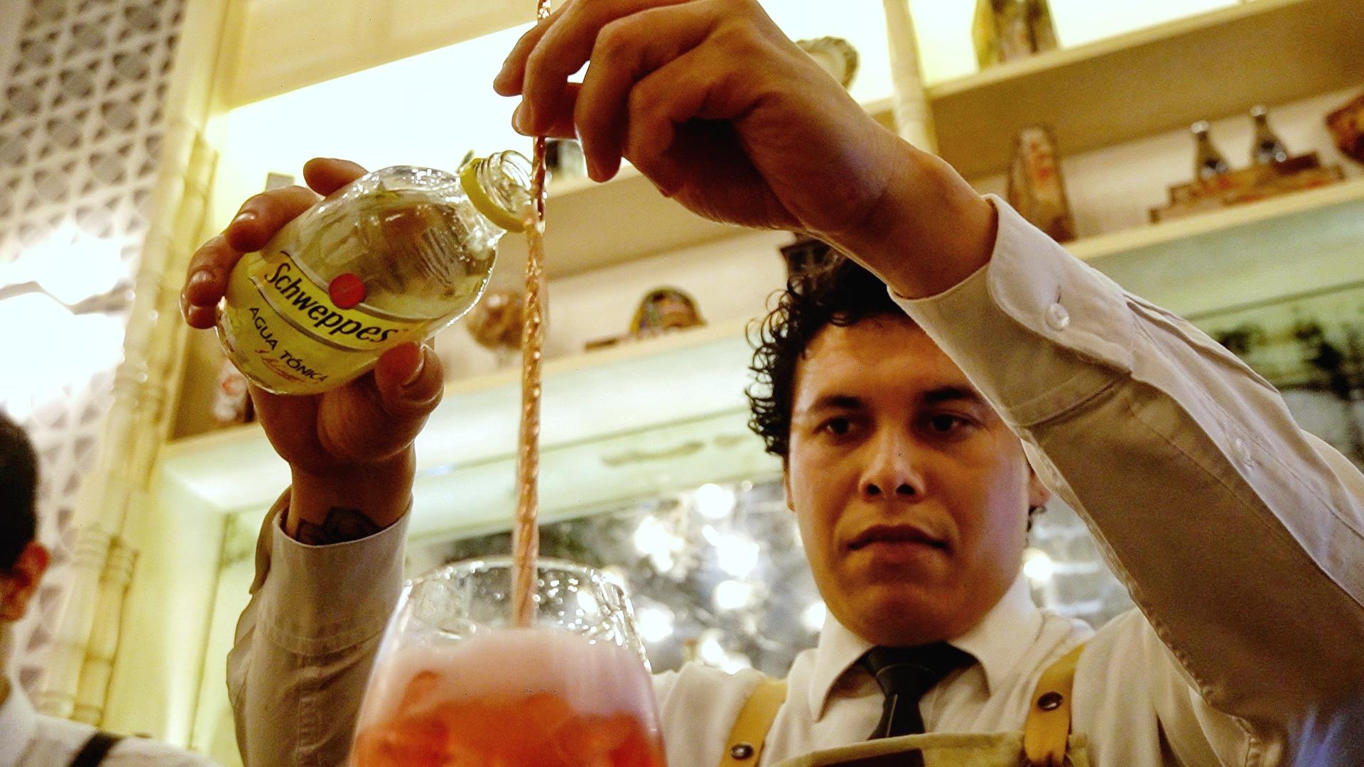 La mixología es otro de los atractivos del restaurante Emiliano Comida y Vino de Tepic