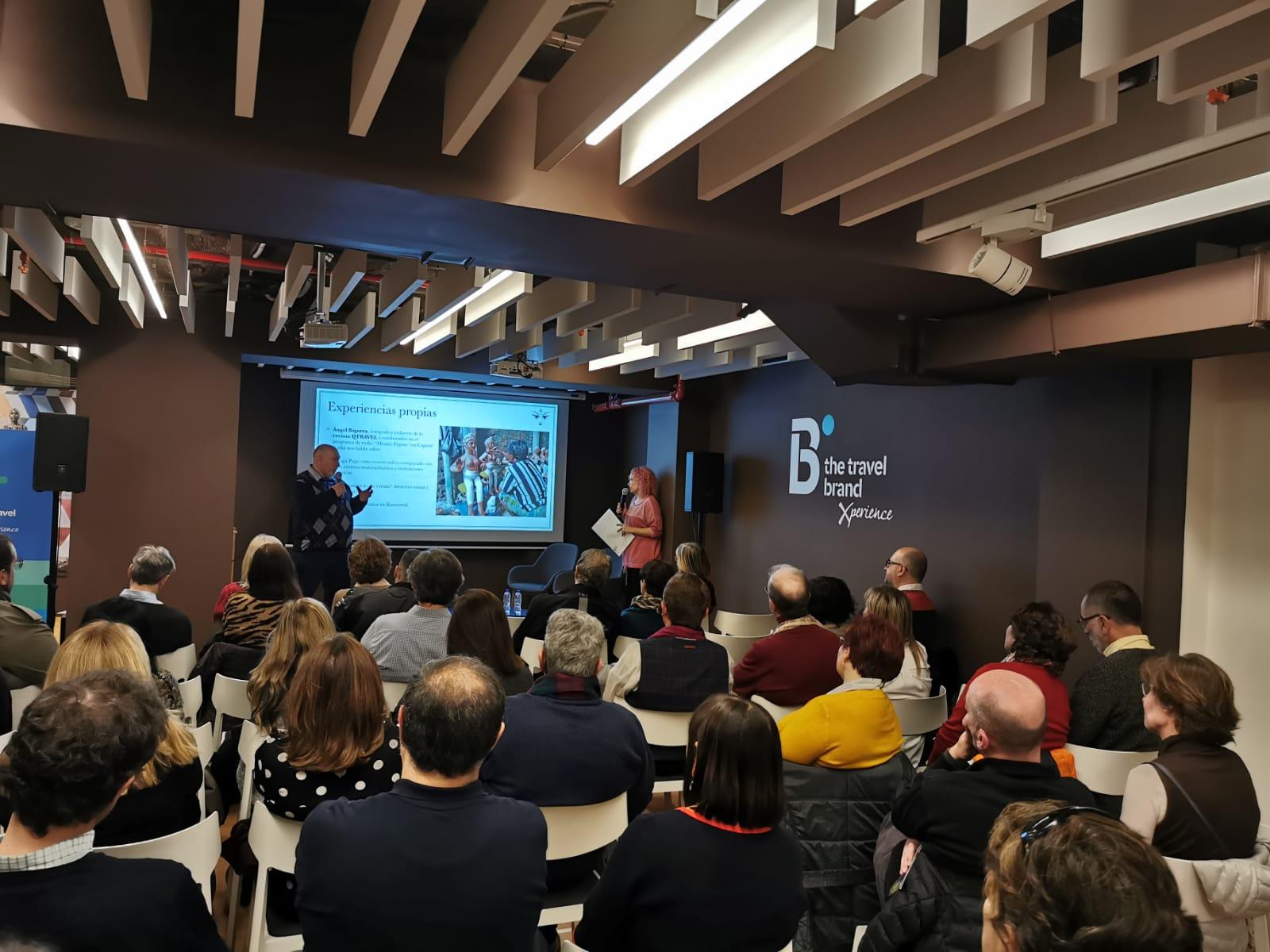 Presentación del festival Durga Puja en el flagship store de Xperience Barcelona