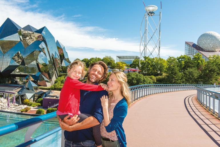 Futuroscope es un parque temático muy popular entre familias con niños