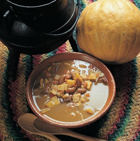 Sopa de alubias al estilo de Portimão