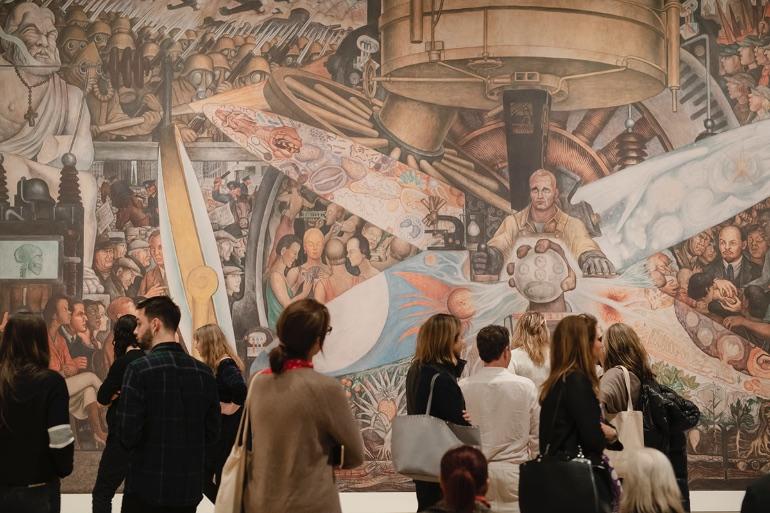 Los artistas de Nueva York han puesto su grano de arena para que los ciudadanos del mundo puedan disfrutar de su talento desde casa